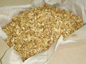 Грецкий орех ломаный