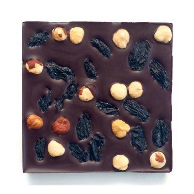 Шоколад горький, какао 72%, на Пекмезе, с Фундуком + чёрный Виноград «Мастерская шоколада ДОБРО»