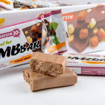 БАТОНЧИК (Шоколад-Фундук) неглазированный 60 гр «Bombbar»